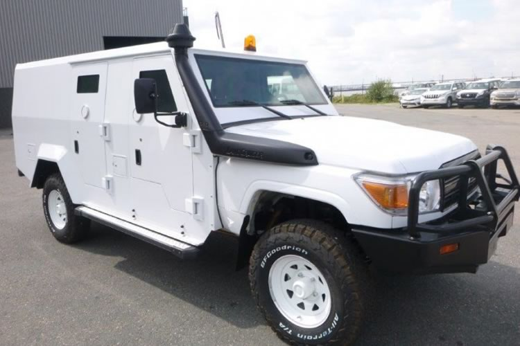 Toyota 4x4 armored vehicles export Africa - pics 1