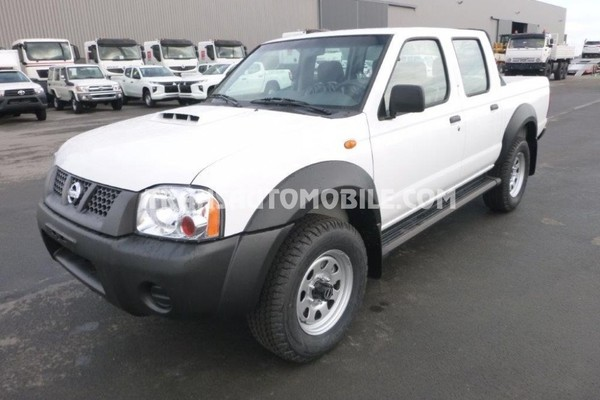 Nissan np300 hardbody pick-up double cabine safety 2.5l turbo diesel