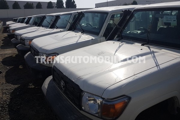 Toyota land cruiser 79 pick up hzj 79 double cabin 4.2l diesel rhd