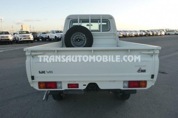 Toyota land cruiser 79 pick-up vdj v8 single cab 4.5l turbo diesel