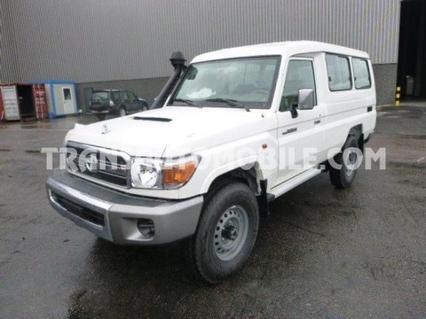 Toyota Land Cruiser 78 Metal top Turbo Diesel