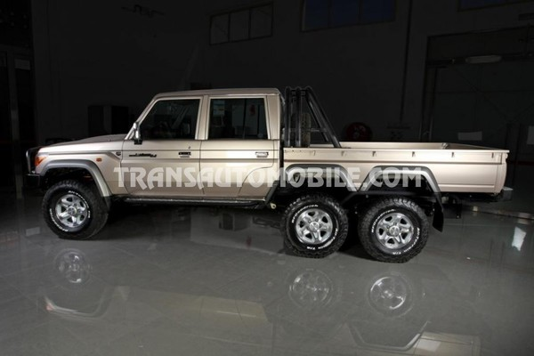 Toyota land cruiser 79 pick-up vdj 79 double cabin 4.5l turbo diesel 6x6