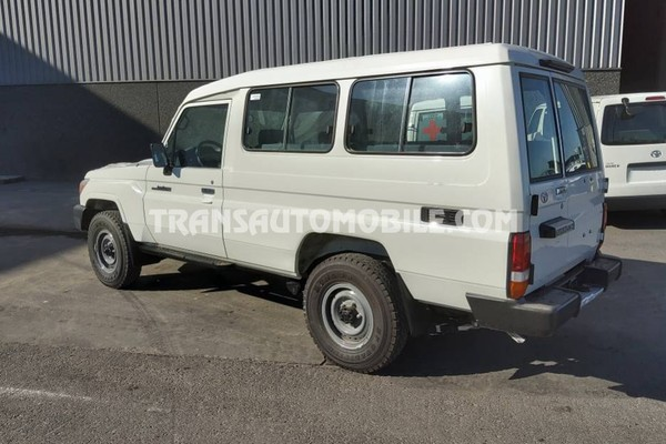Toyota land cruiser 78 metal top hzj 78 4.2l diesel
