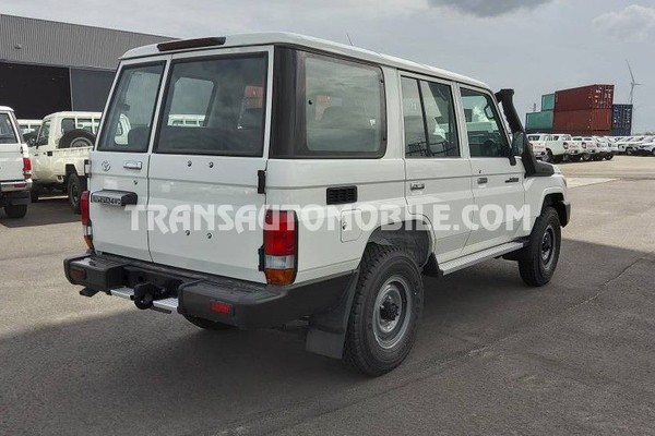 Toyota land cruiser 76 station wagon hzj 76 4.2l diesel