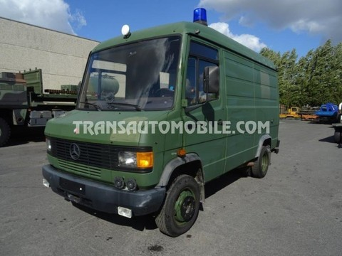 Mercedes 609D  Diesel  AMBULANCE EX ARMY