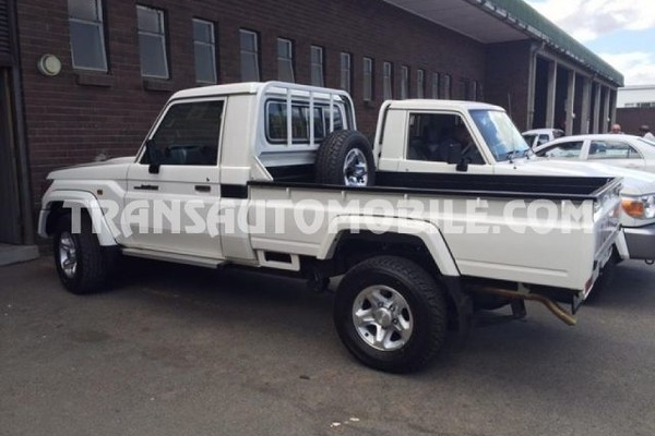 Toyota land cruiser 79 pick-up v6 grj 4.0l essence rhd