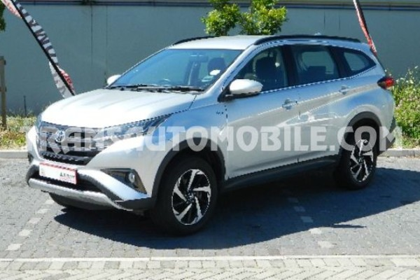 Toyota rush 1.5l essence automatique rhd