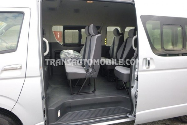 Toyota hiace high roof / toit haut 2.5l turbo diesel rhd 14 seats