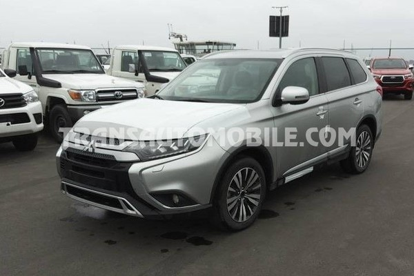 Mitsubishi outlander  4wd luxury  2.5l essence automatique