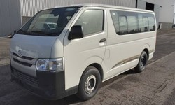 Best price - Toyota Hiace STANDARD ROOF