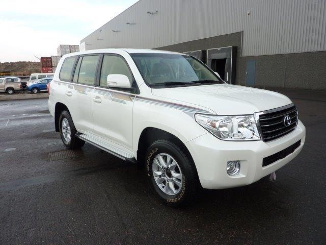 TOYOTA Land Cruiser 4x4 200 Station Wagon
