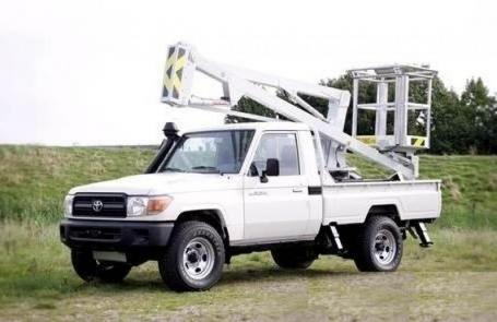 TOYOTA Land Cruiser Pick Up 4x4 79 Pick up 4.2L   HZJ 79 Simple cabin Nacelle