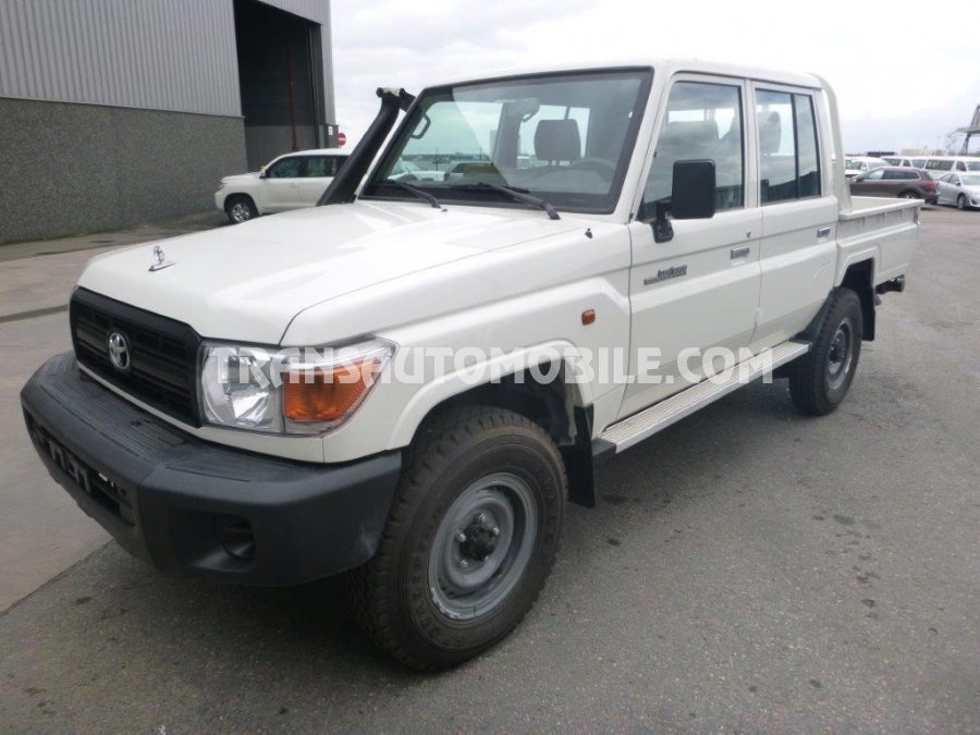 in cruiser toyota details white subject sale vx dhabi abu s cylinders new for land