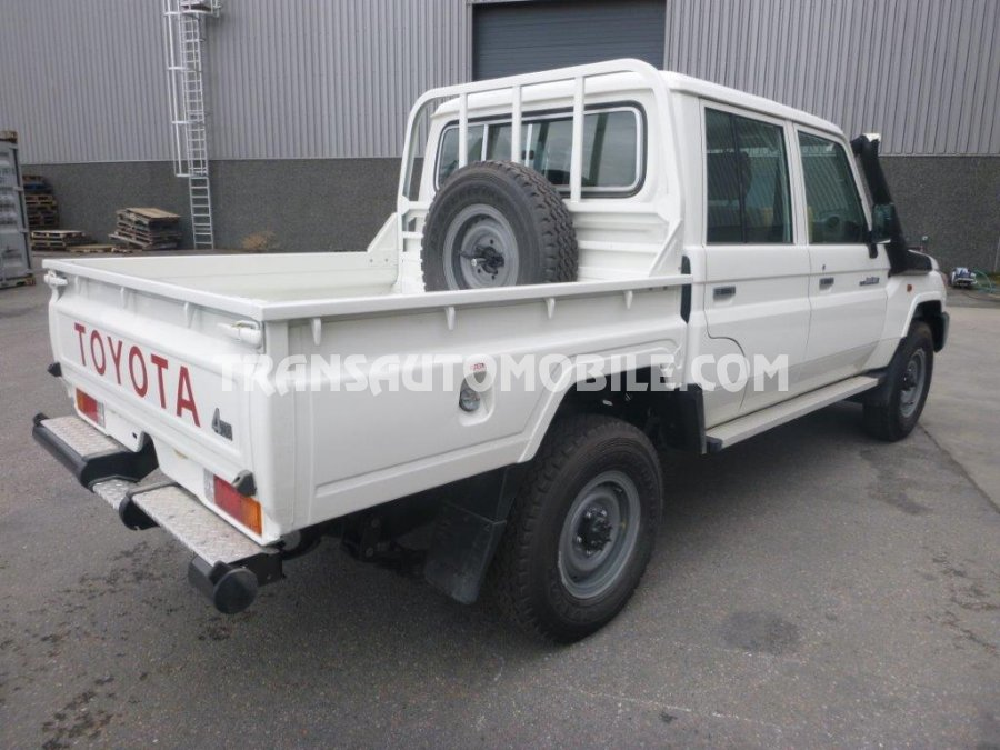 prix toyota land cruiser 79 pick up diesel hzj 79 double. Black Bedroom Furniture Sets. Home Design Ideas