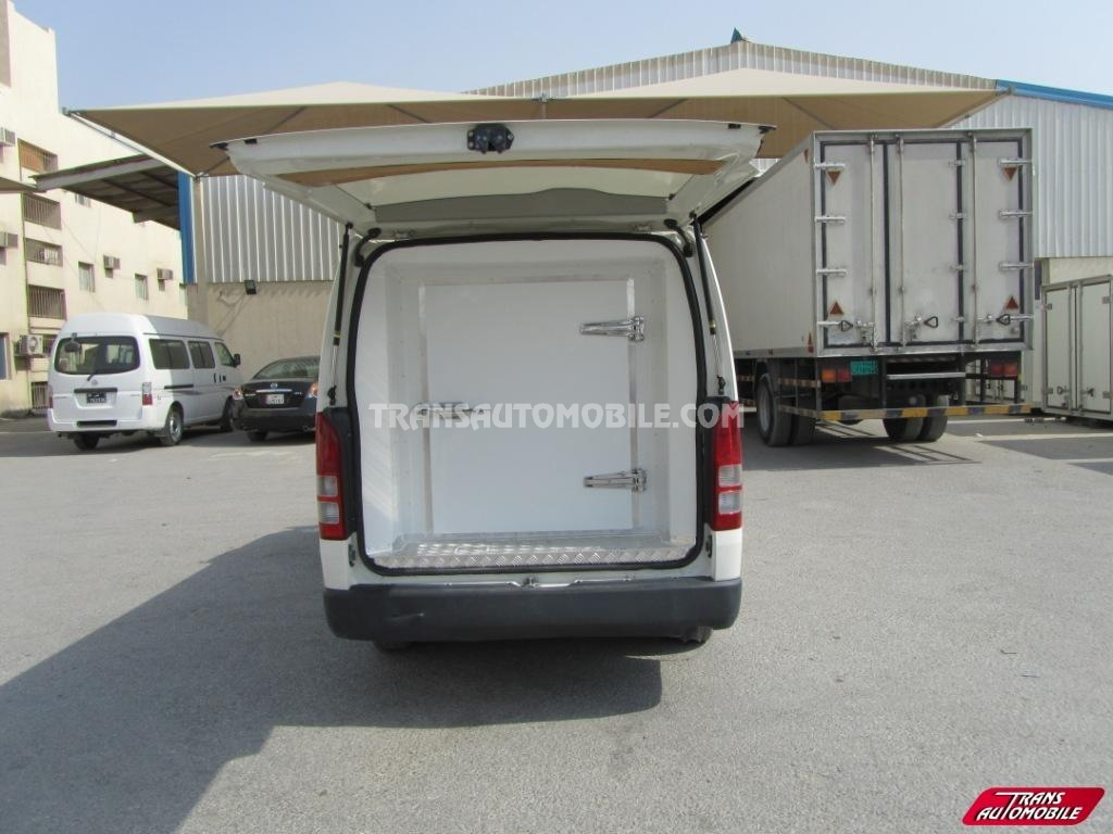 hiace standard roof neuf vendre 1357. Black Bedroom Furniture Sets. Home Design Ideas