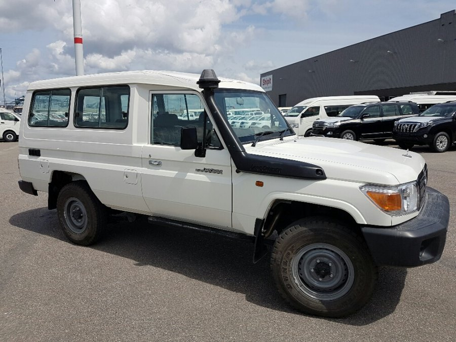 TOYOTA Land Cruiser Station Wagon 78 Metal top 4.2L   HZJ78 HZJ 78