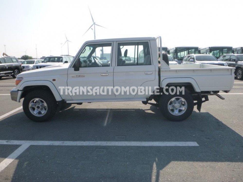 700+ Gambar Mobil Jeep Toyota Hardtop HD Terbaik
