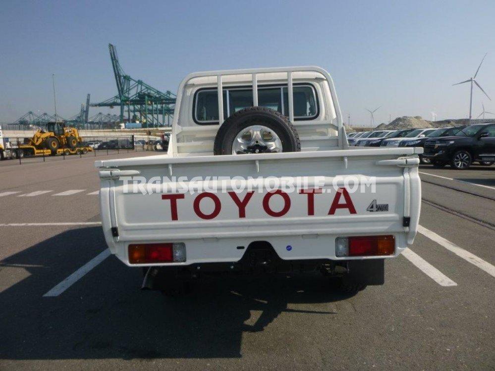 Toyota Kenya - Toyota Land Cruiser 79 Pick up for $47 000 ...