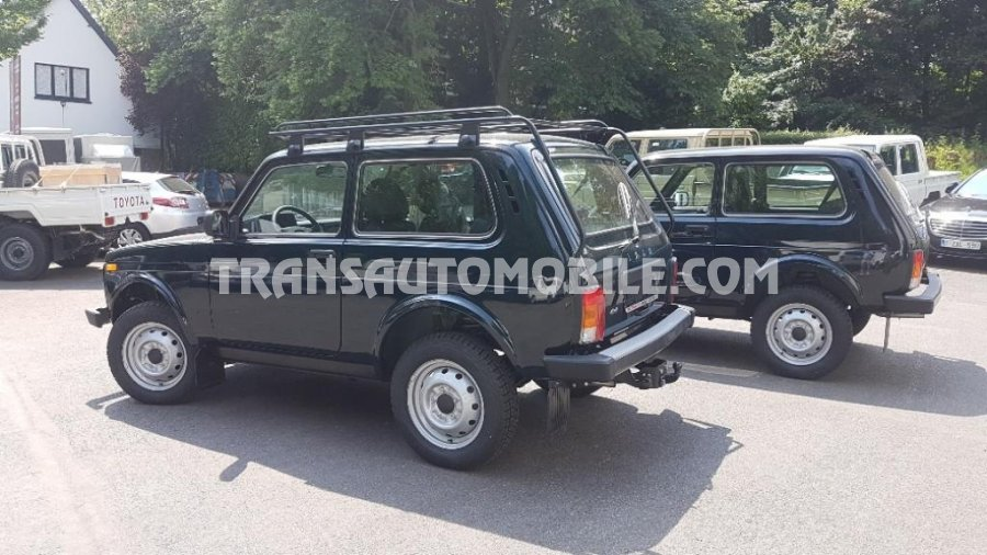 lada niva a vendre lada niva 1 7ess tbe 1999 92000kms a vendre madagascar 8796 voitures. Black Bedroom Furniture Sets. Home Design Ideas