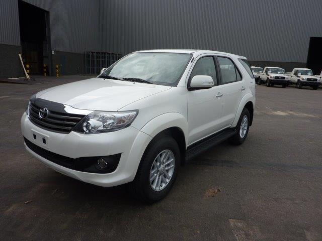 Export TOYOTA Fortuner 4x4  2.7L Petrol / essence SR5 Premium manual
