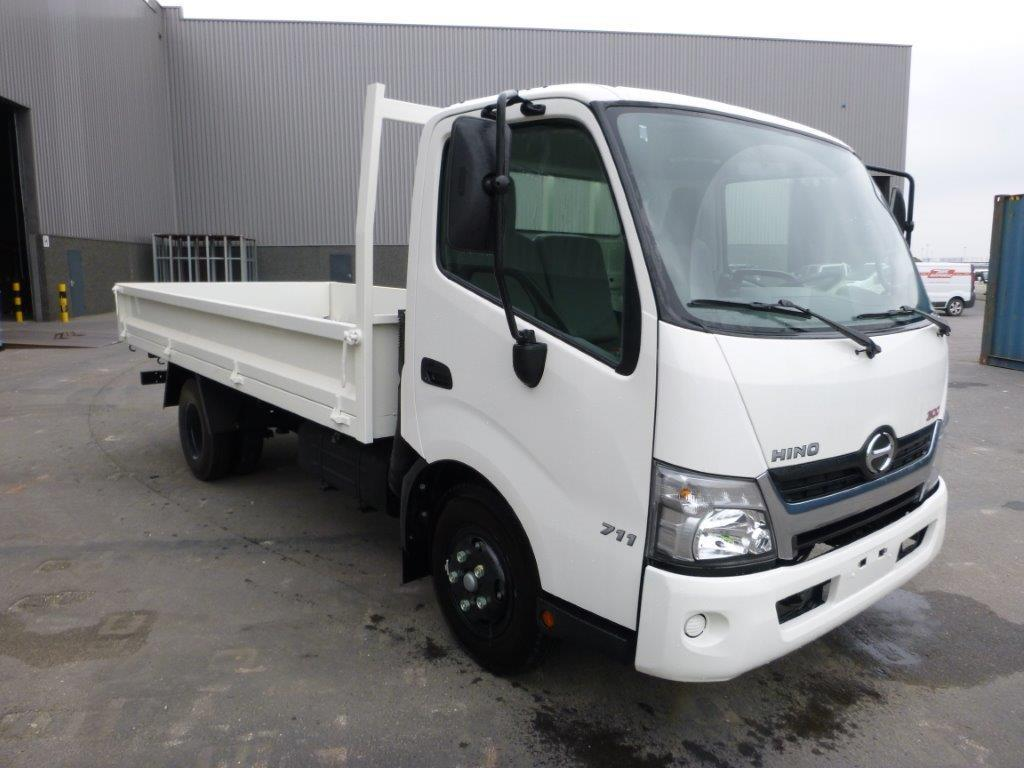 Export TOYOTA Hino  400 4.2 TONS / PAYLOAD 4L diesel