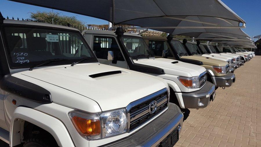 TOYOTA Land Cruiser Pick Up 4x4  79 Pick up 4.5L V8 TD  V8