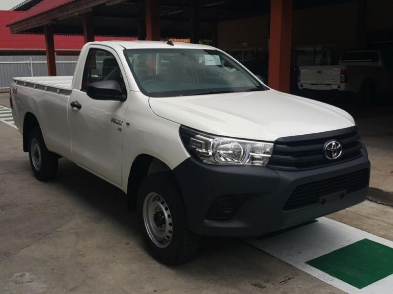 TOYOTA Hilux/REVO Pick Up 4x4  Pickup single Cab 2.8L J  J
