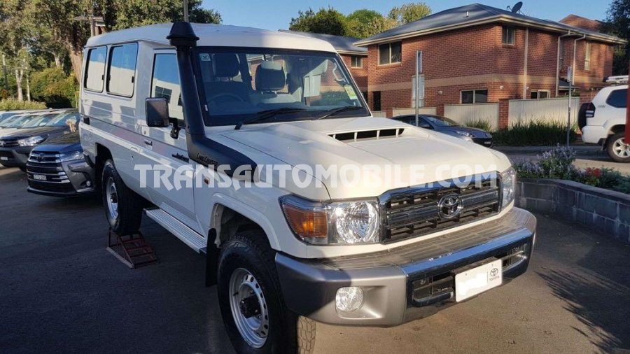 Toyota Land Cruiser 78 Metal top Turbo Diesel   RHD
