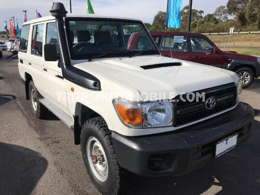 Toyota Land Cruiser 76 Station Wagon Turbo Diesel   RHD