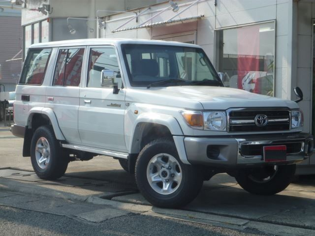 Export TOYOTA Land Cruiser 4x4 76 Station Wagon 4.0L V6 GRJ 76