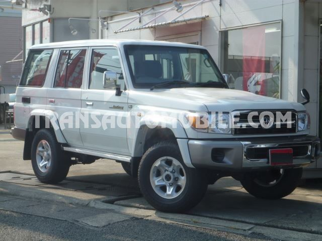 Toyota Land Cruiser 76 Station Wagon Essence V6 GRJ 76  RHD