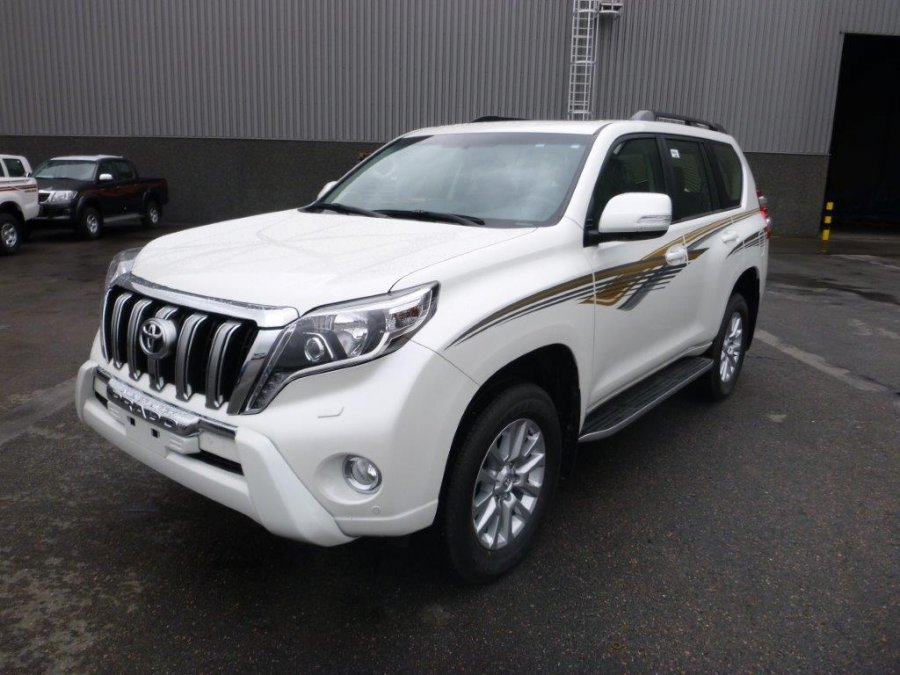 Export TOYOTA Land Cruiser 4x4 Prado 150 3.0L TURBO DIESEL VX8 SAFARI PLUS