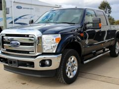 Ford F-250 Lariat Turbo Diesel 4 Valve Power Stroke V8  RHD