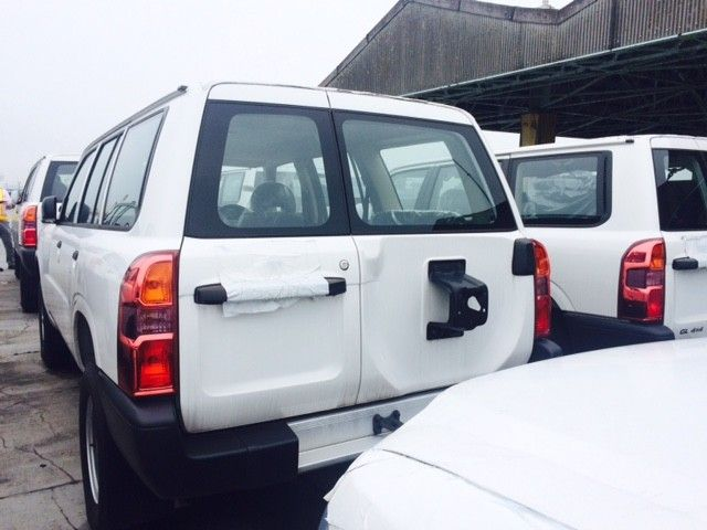 NISSAN Patrol 4x4 Standard TD42 10 seats