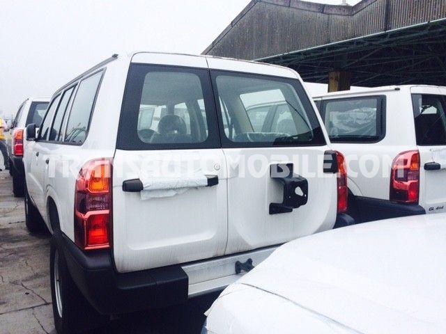 Import / export Nissan Nissan Patrol Standard TD42 10 seats Diesel   - Afrique Achat