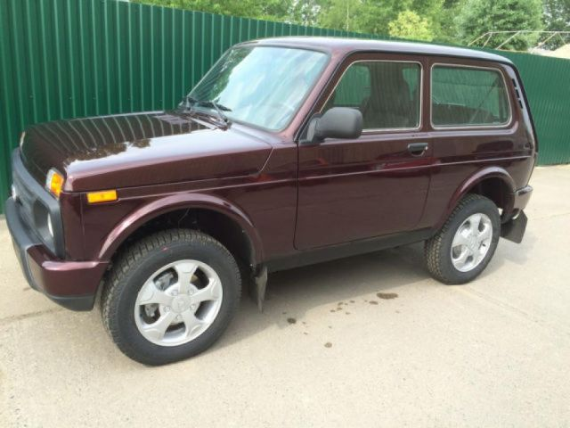 lada niva urban 4x4 brand new ref 1971. Black Bedroom Furniture Sets. Home Design Ideas