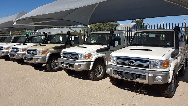 Export TOYOTA Land Cruiser Pick Up 4x4 79 Pick up 4.5L V8 TD