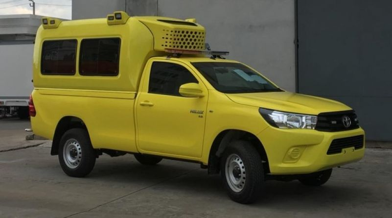 Export TOYOTA Hilux/REVO Pick Up 4x4   2.8L TD AMBULANCE