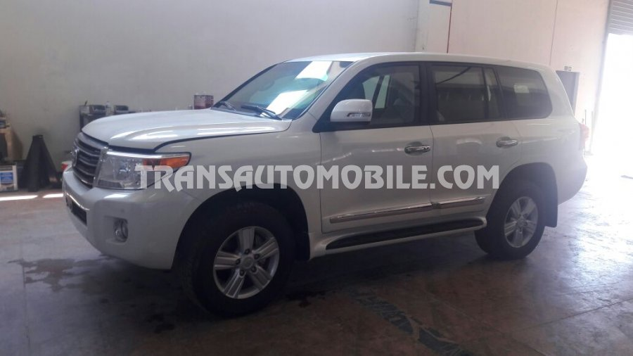 Import / export Toyota Toyota Land Cruiser 200 V8 Station Wagon Essence EXR Blind� B6  (2014) - Afrique Achat