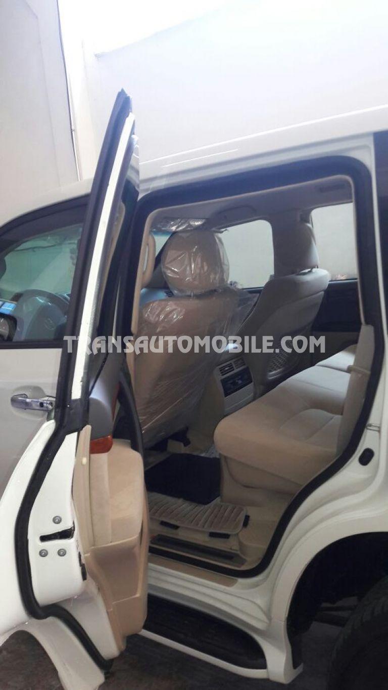 Price Armored Toyota Land Cruiser 200 V8 Station Wagon Petrol Exr 2001 Africa Export