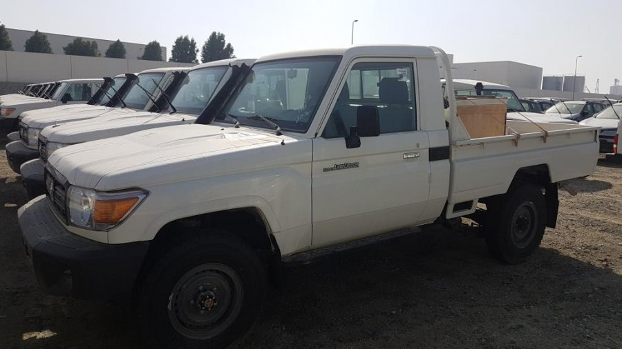 TOYOTA Land Cruiser Pick Up 4x4  79 Pick up 4.2L HZJ 79 SIMPLE CABIN    HZJ 79 SIMPLE CABIN