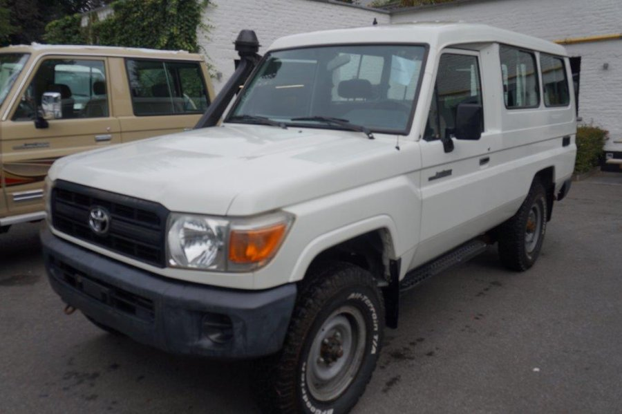 Export TOYOTA Land Cruiser  78 Metal top HZJ 78 HZJ 78