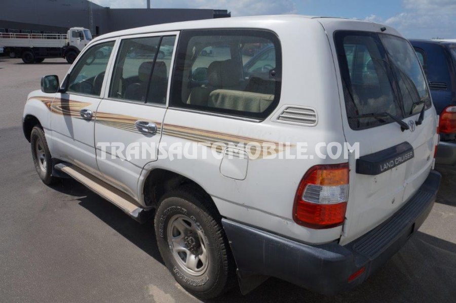 prix toyota land cruiser 105 diesel gx r 9 toyota afrique export 2032. Black Bedroom Furniture Sets. Home Design Ideas