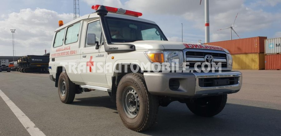 Toyota Land Cruiser 78 Metal top Gasóleo HZJ 78 Ambulância  RHD