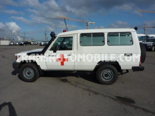 Import / export Toyota Toyota Land Cruiser 78 Metal top Diesel HZJ 78 Krankenwagen  - Afrique Achat