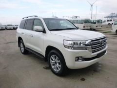 Toyota Land Cruiser 200 V8 Station Wagon Benzin