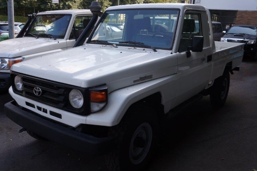 Export TOYOTA Land Cruiser  79 Pick up 4.2L   HZJ 79 HZJ 79 SIMPLE CABIN