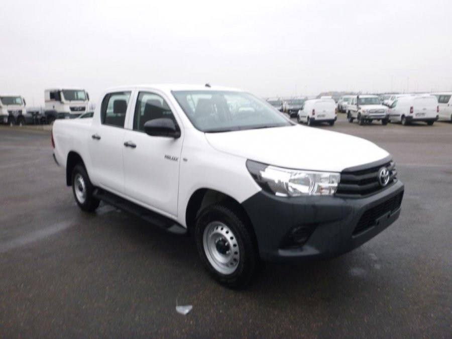 Export TOYOTA Hilux/REVO Pick Up 4x4 Pick up double cabin 2.5L D4D  PACK SAFETY  Medium