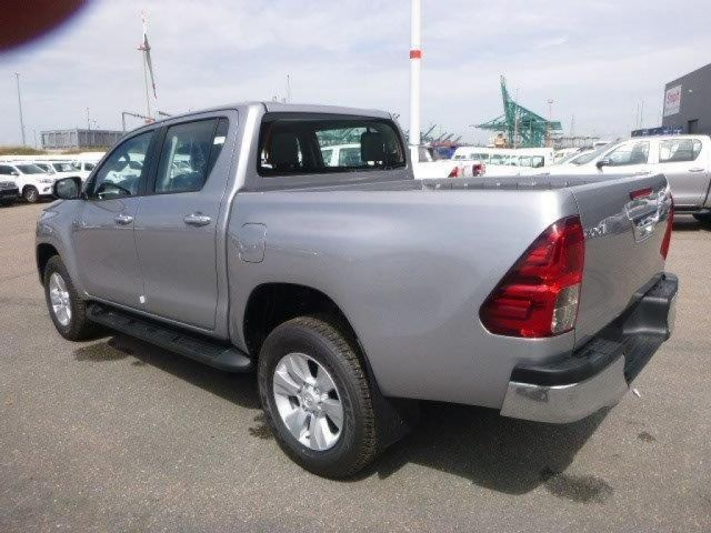 TOYOTA Hilux/REVO Pick Up 4x4  Pick up double cabin 2.5L D4D  LUXE SUPER LUXE