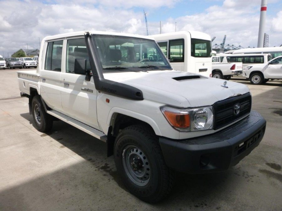 Export TOYOTA Land Cruiser Pick Up 4x4 79 Pick up  VDJ V8 79 DOUBLE CABIN